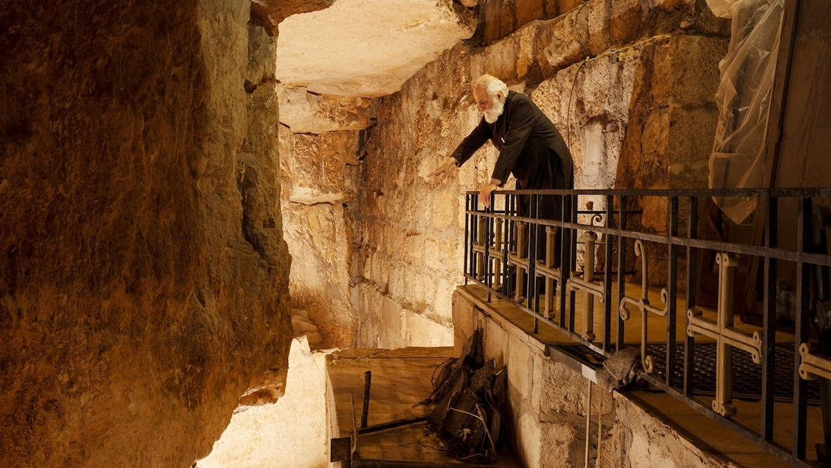 Jerusalem's massive digs reveal new treasures, and stoke ancient conflicts