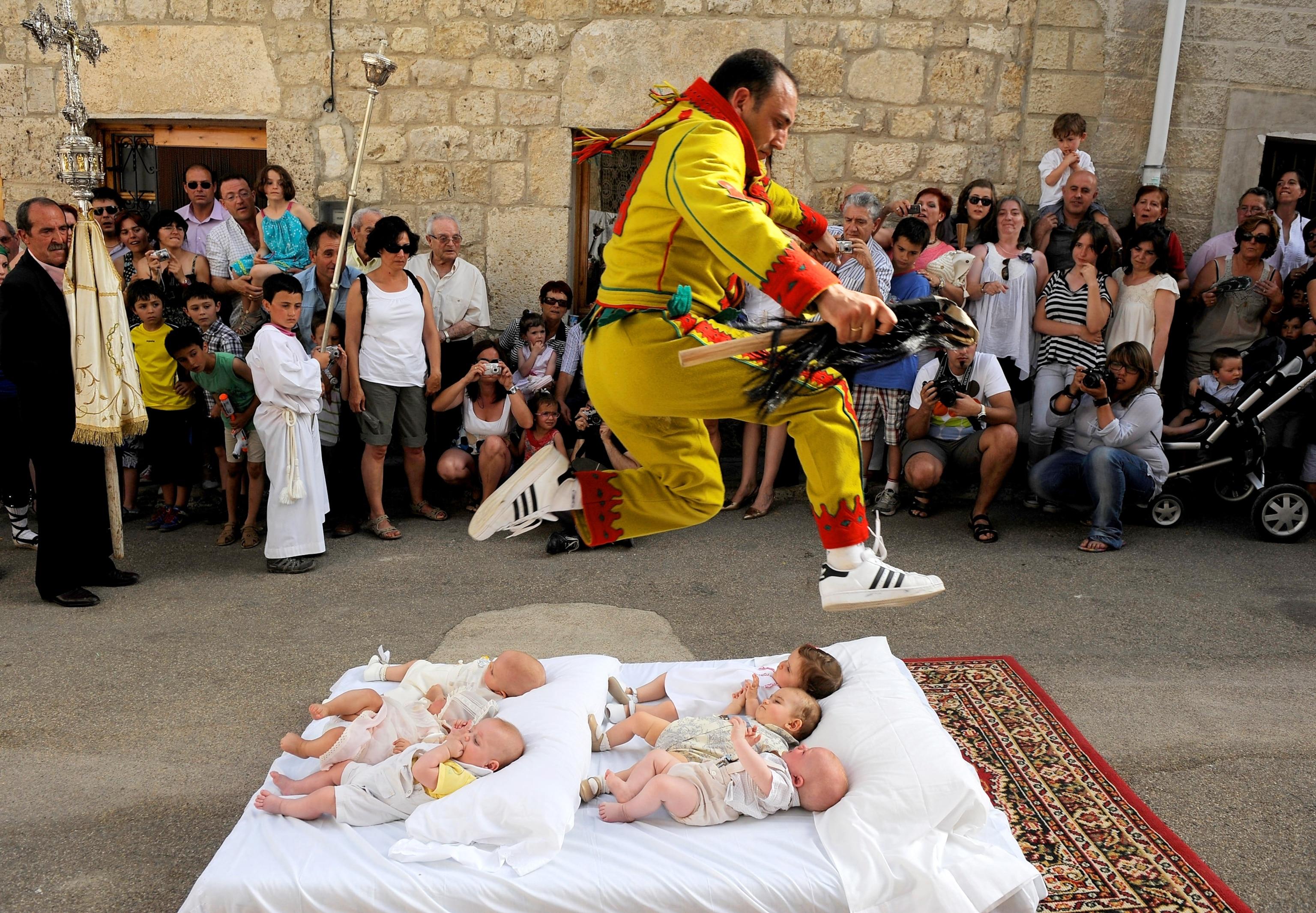 El Colacho Baby Jumping Festival, Spain