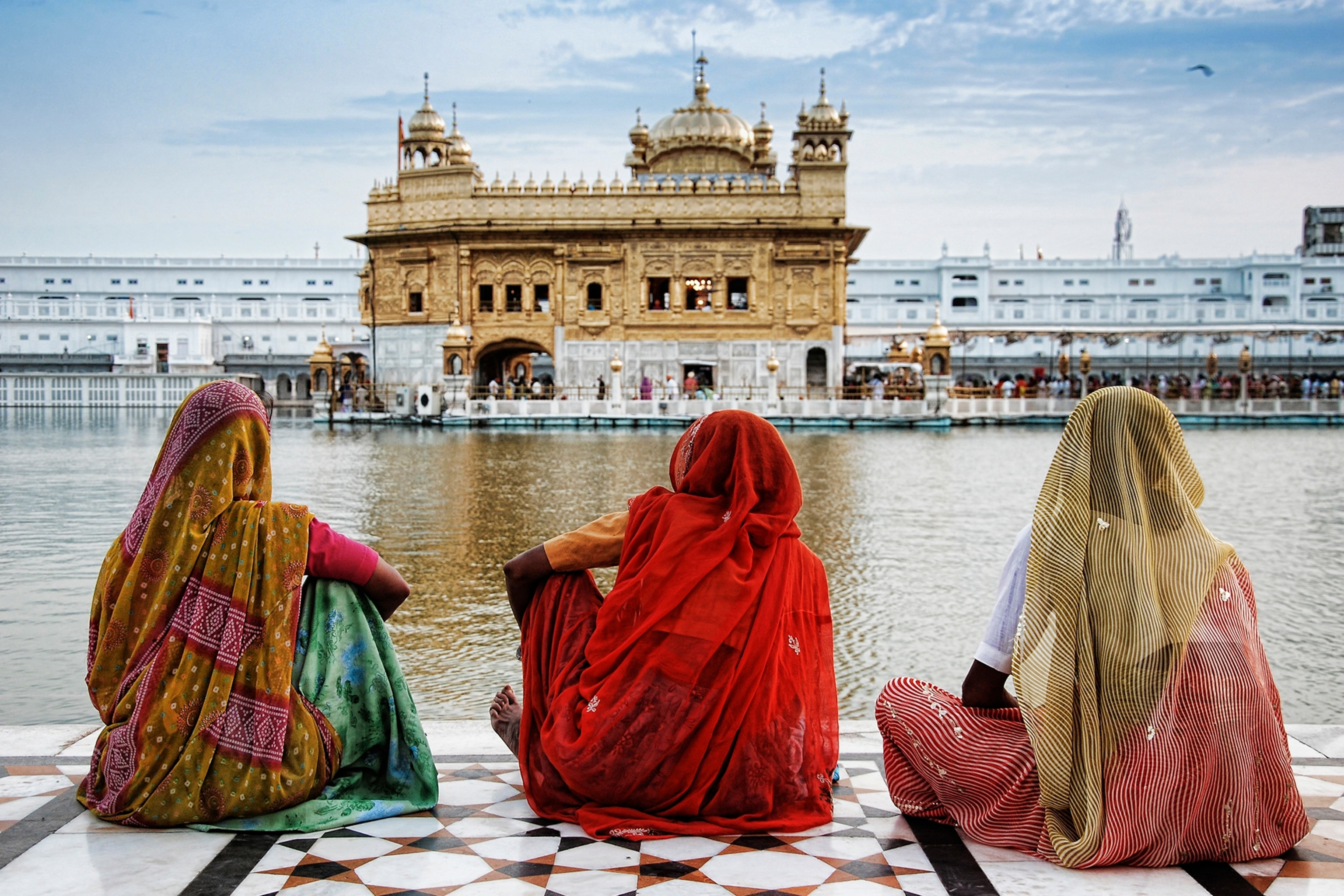 Tips For Women Traveling Alone In India