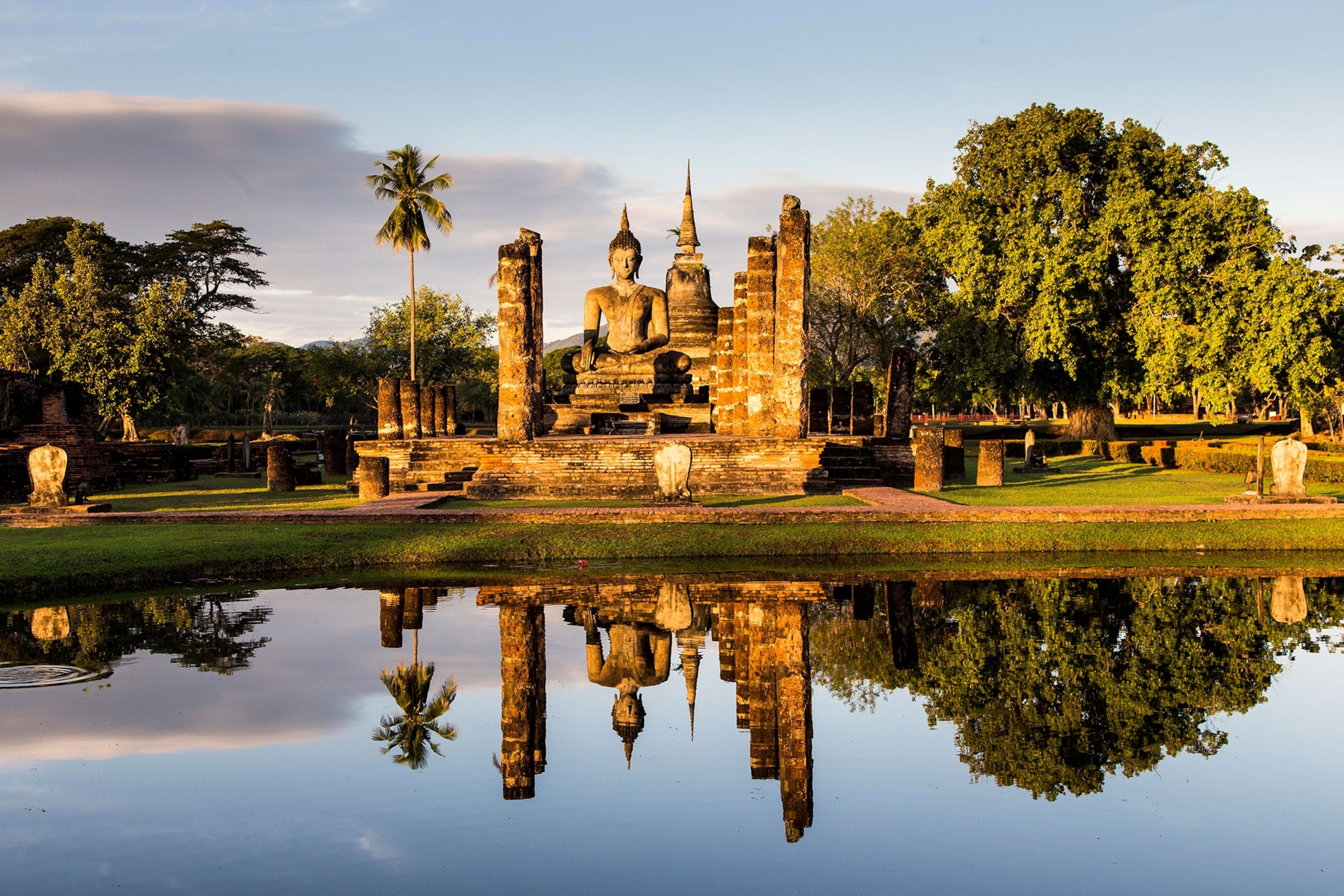 A guide to the ruins of Sukhothai, Thailand