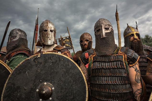 viking-reenactors-2495176.jpg?w=636&h=42