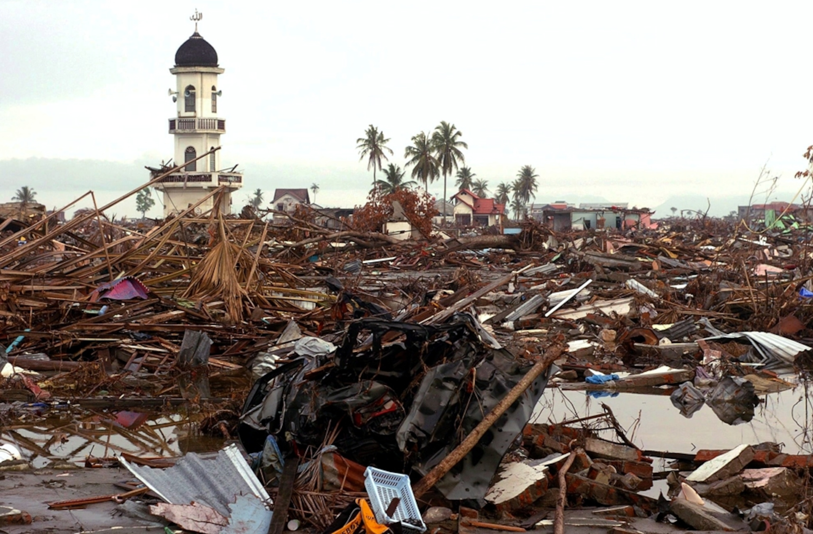 Indonesia Tsunami Pictures Banda Aceh Then And Now