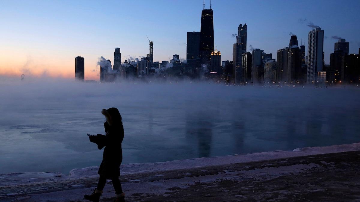 How the polar vortex created record subzero temperatures in the Midwest