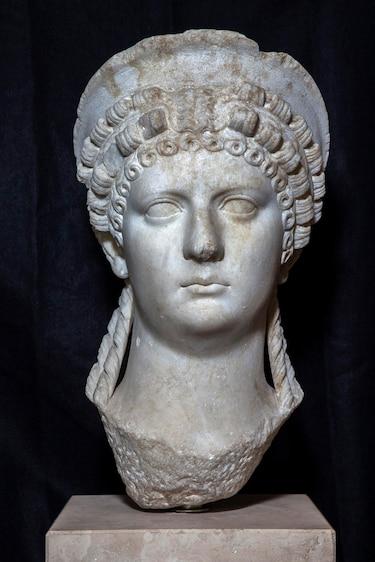 Stone bust of Roman Empress